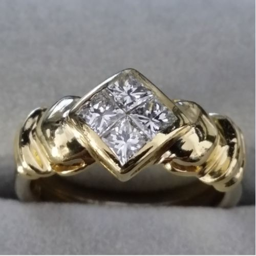 18 kt Gelbgold - Diamond Ring - 750 Gold - 4 Diamonds - 0.75 ct Diamant