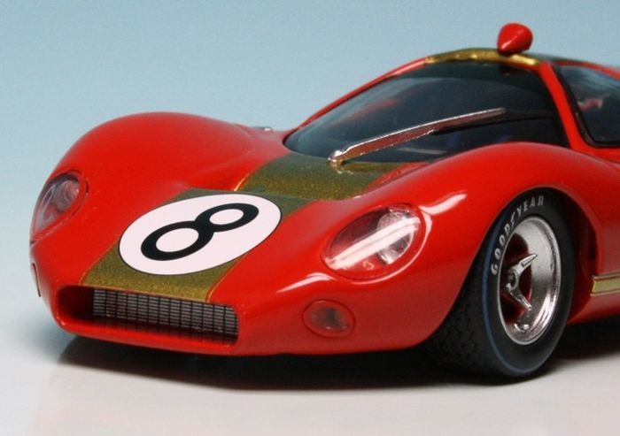 MiniChamps - 1:43 - Ford P68 Alan Mann Racing #8 1000 Km Nurburgring - Limited Edition of 1.968 pcs.