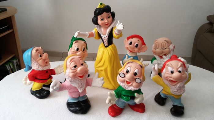 Disney - 8 Ledraplastic dolls - Snow white and the seven dwarfs (1960)