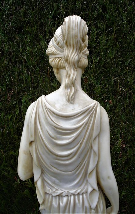 """Statue Greek Goddess of youth """"Hebe"""", Italy, 1960s - Catawiki"""