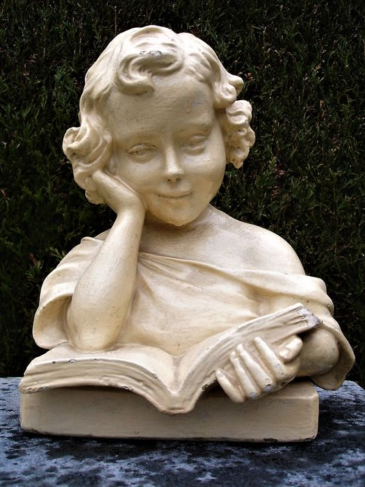 French Art Deco bust of a girl reading a book - signed A.C. - circa 1930 - France