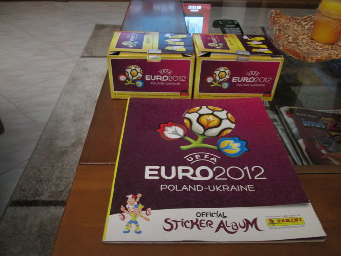 Panini - Euro 2012 - empty album + 2 boxes of packs.