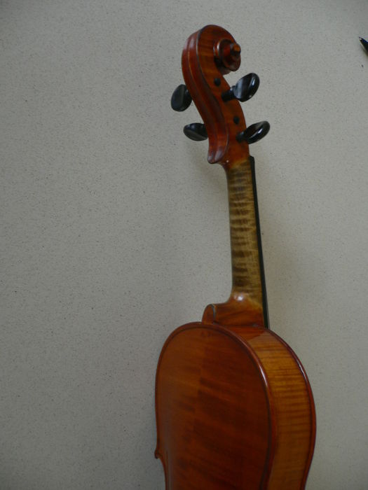 Intact old 4/4 violin with French label (Mirecourt) by Albert Deblaye, 1920