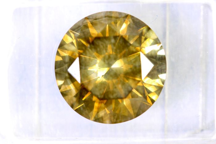 Fancy INTENSE Greenish Yellow -  5.00 ct - SI1 - Excellent Cut