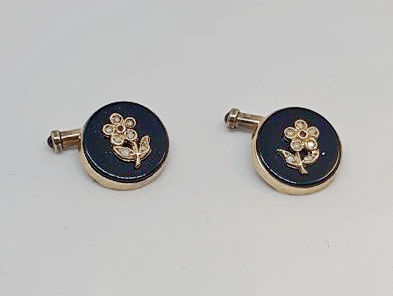 Antique cufflinks in 12 kt yellow gold with onyx, diamonds and rubies