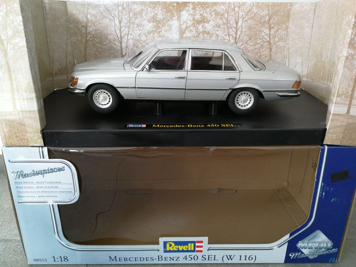 Revell - Scale 1/18 - Mercedes Benz 450 SEL (W116)