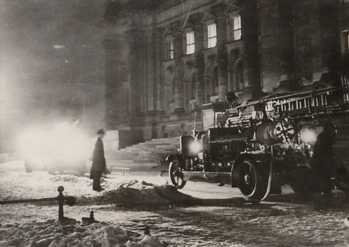 Unknown/Keystone Agency - Reichstag Fire, 1933