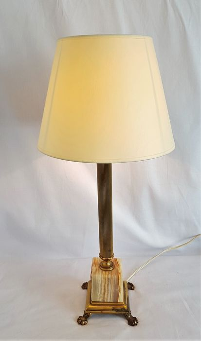 Classic table lamp in the 'empire style' with lion legs