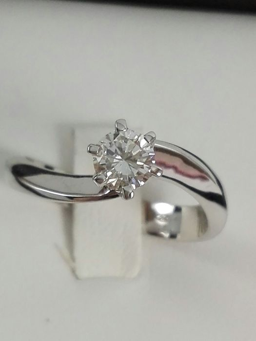 Women's solitaire ring in 18 kt white gold with natural diamond of 0.40 ct - Ring size 14.5 (IT)