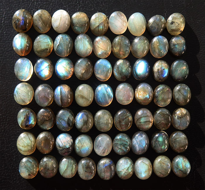 Lot of natural labradorites - oval shaped cabochons - 9.5 * 11mm - 250 ct (63)