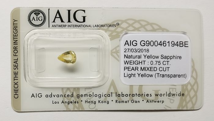 Sapphire Light Yellow 0.75 ct *** No Reserve ***
