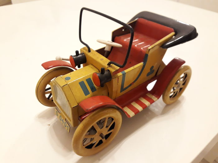 Lot Of 15 Toys Vintage Cars And Tin Cars Catawiki