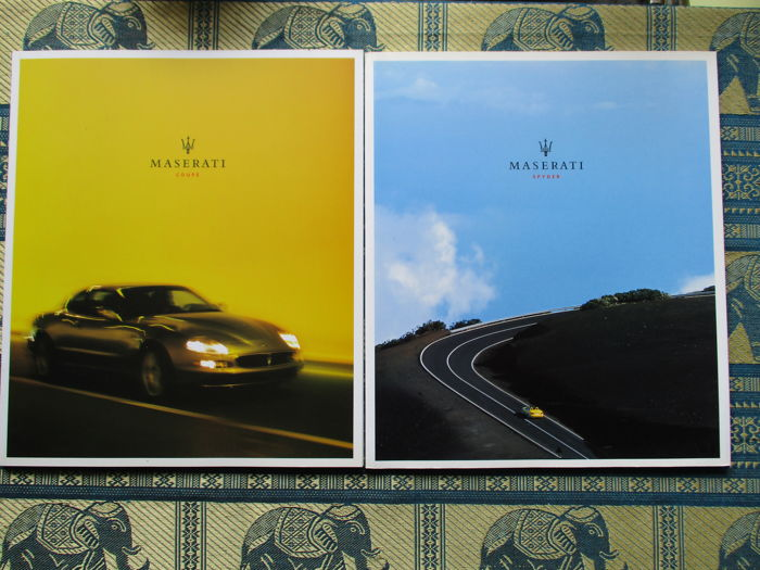 Car brochures (Maserati coupe and Maserati Spyder, 2001, 2 brochure)