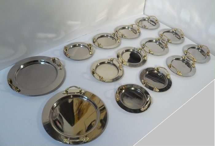 Dessert service - Incomplete collection of 14 - 24 kt gold-plated stainless steel - Italy - 1950-1999