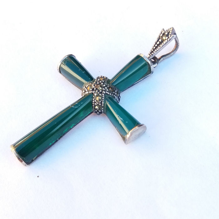 522c58f755266 Vintage Natural Green Jade And Sterling Silver Pendant Cross Set With  Marcasites.