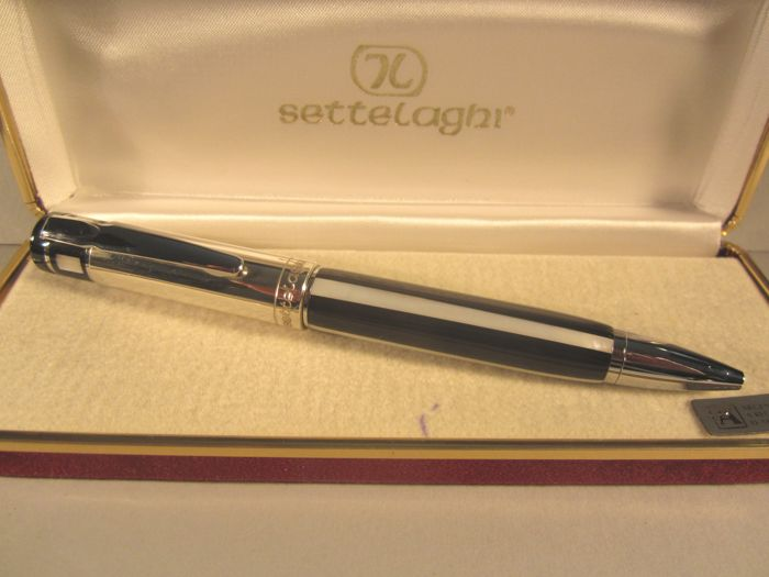 Settelaghi fine and rare ballpoint pen made of silver and mother of pearl - very good condition