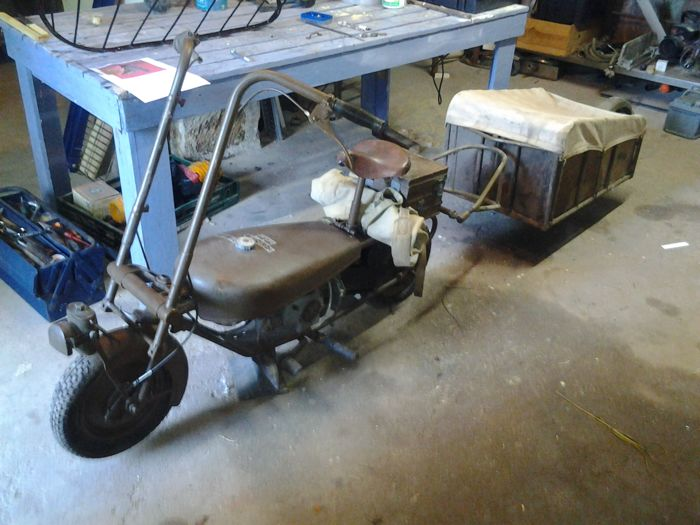 English paratrooper folding motorcycle with its original trailer