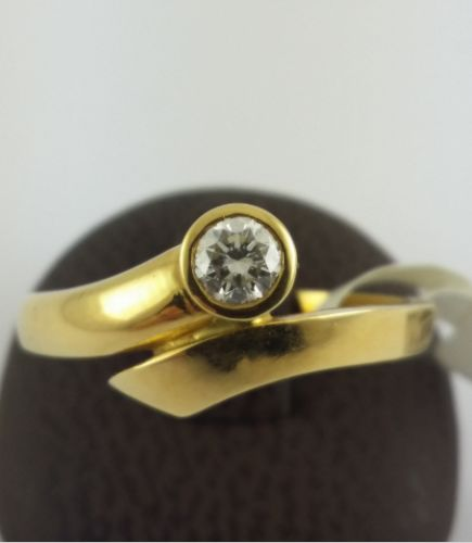 Brilliant ring - 750 yellow gold - 1 diamond with 0.19 ct - ring size : 54