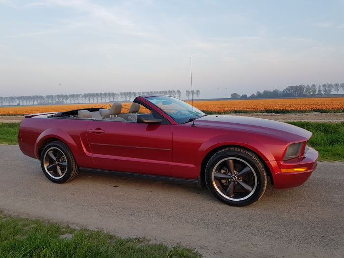 Ford USA - Mustang V6 - 2007