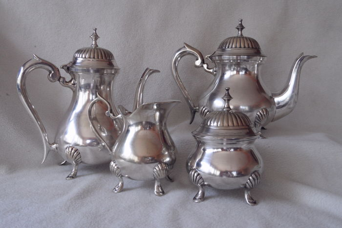 Elegant Art-Deco coffee and tea set