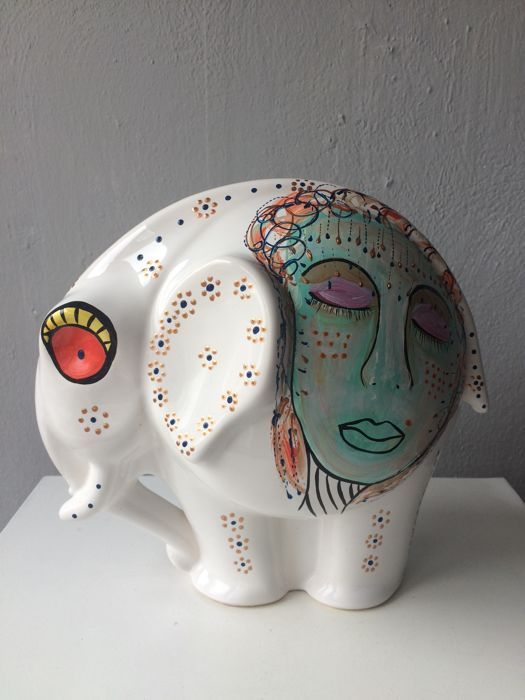 Marianne Bey for Arti 4 - Ceramic Statue - Face to Face