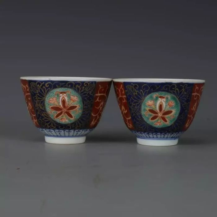 A pair of ceramic cups - China - late 20th/21st century