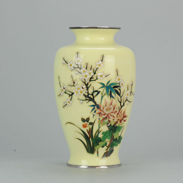 Silver cloisonne vase with flower decoration Jungin Mar - Japan - early 20th century