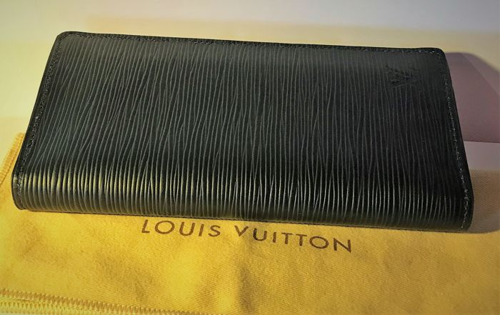 "Louis Vuitton - Wallet / Wallet ""Brazza"" Limited Series"