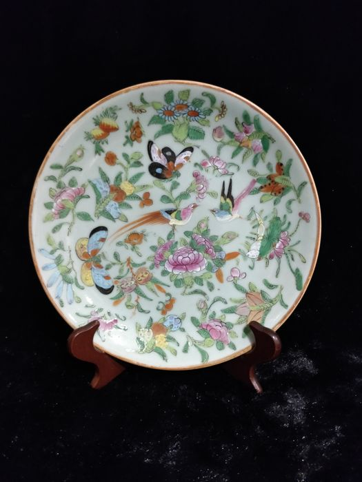 Famille rose porcelain plate decorated with flowers and birds - China - 19th century