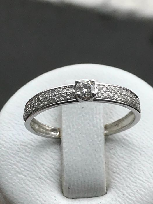 Ring in 18 kt white gold set with diamonds of 0.34 ct, Top Wesselton - Size 54/17.20 mm