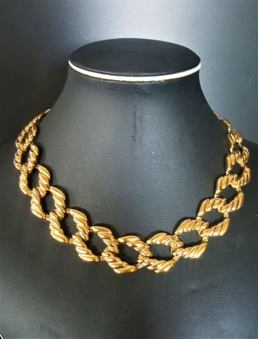 Vintage signed NAPIER textured chain link Necklace