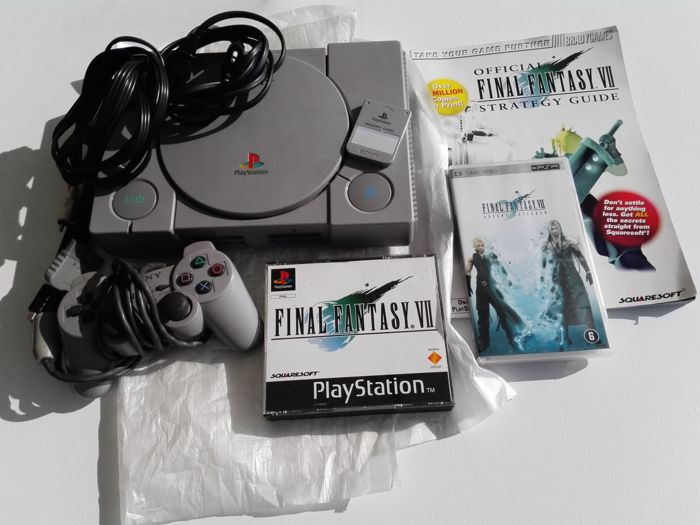 Playstation 1 console with final fantasy 7 + Guide and UMD PSP
