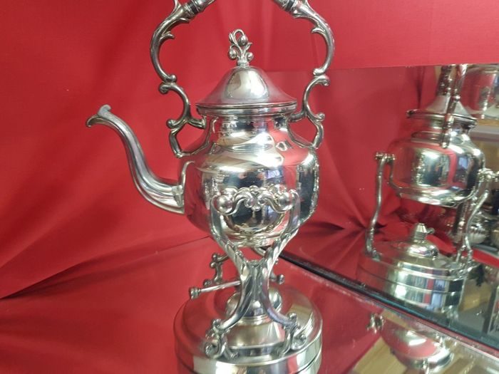 Gorgeous English silver plated kettle with spirit burner - with a nice handle and decorated feet. By BMS Birmingham
