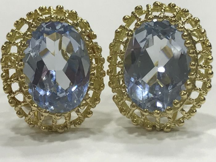 Earrings made of 18 kt Gold with Aquamarine Weight: 8.60 g