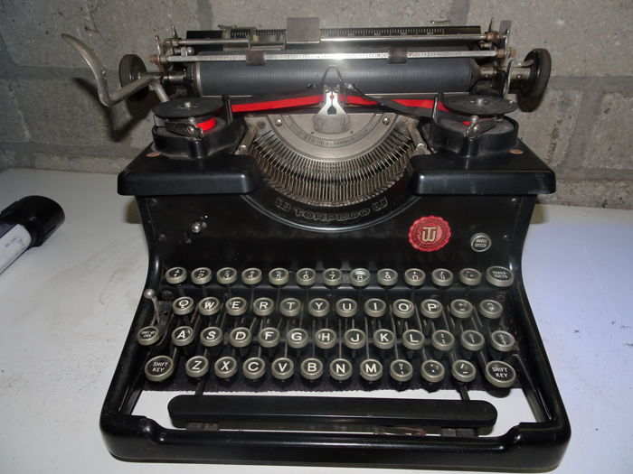Typewriter Torpedo 6 from 1938, beautiful lacquer