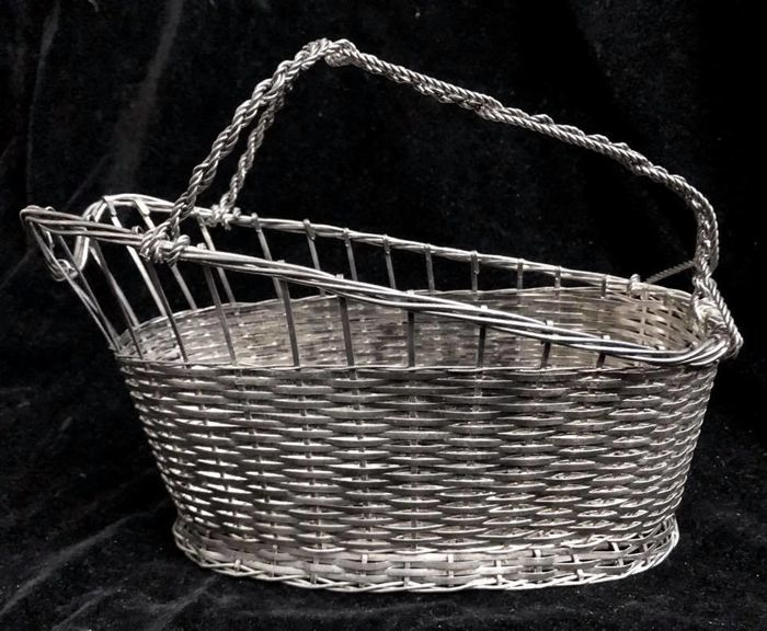 An elegant Silver plated winebasket / bottle holder , Christofle ,  France , Circa 1980´s