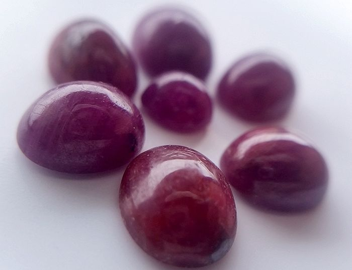 Natural rubies - various kinds of red - 21.45 ct