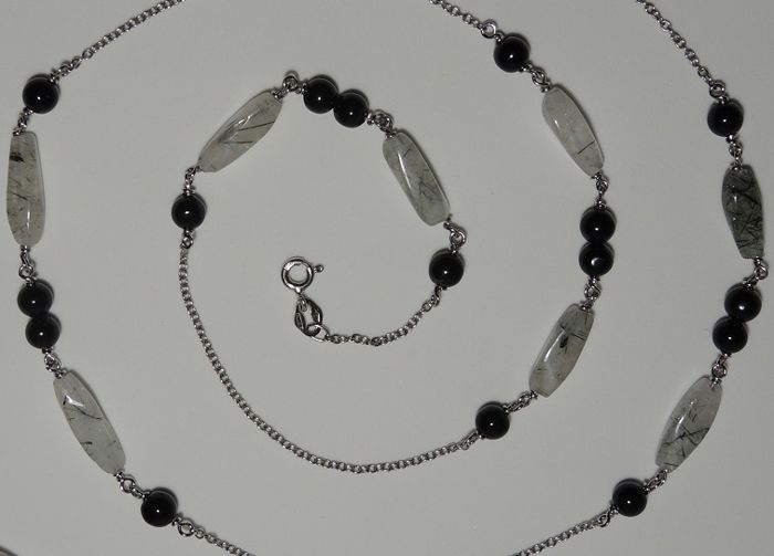 18kt white gold long necklace with rutilated quartz and onyx – 87 cm