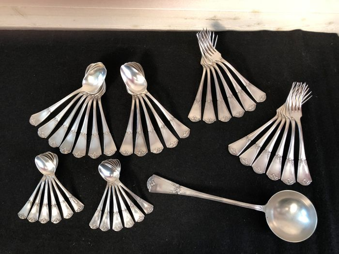 Armand FRENAIS - Art Nouveau - 37 silver plated metal table utensils - for 12 People