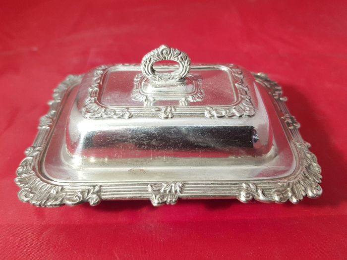 Victorian silver plated butter dish with lid, Made in England by Hhv & Co