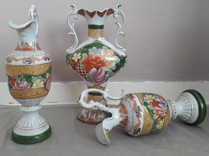 Three Chinese Style Vases Xiongying Made In China 2nd Half Of