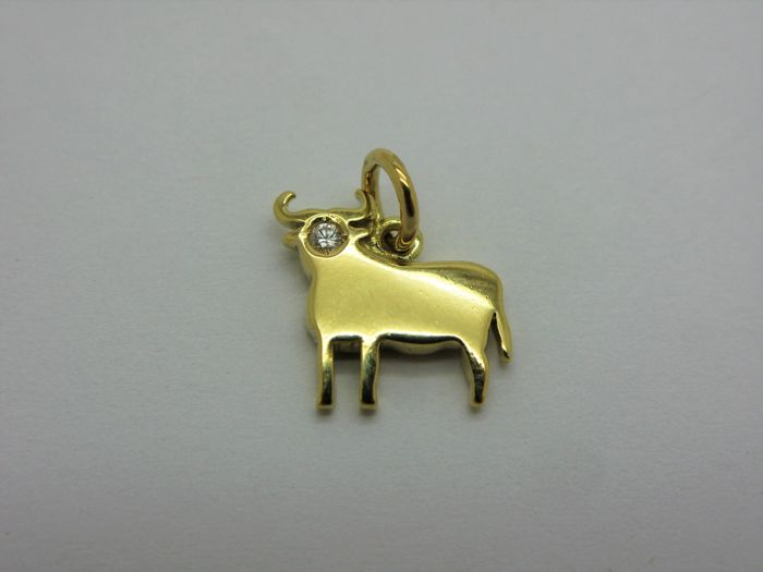 Dodo by pomellato pendant in solid kt gold bull with