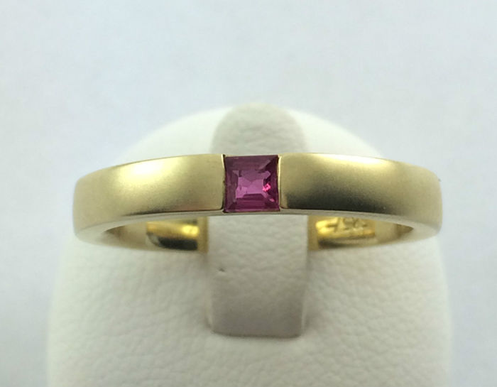 Amethyst ring - 585 yellow gold - 1 amethyst - ring size: 54