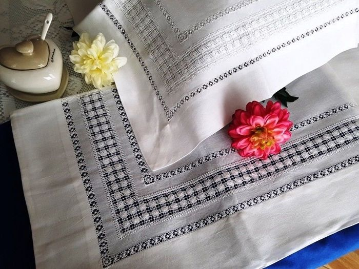 100% pure linen double bed sheet with handmade double peahole stitch embroidery