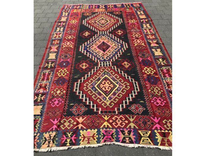 Beautiful kilim Azerbaijan diamond 313/169