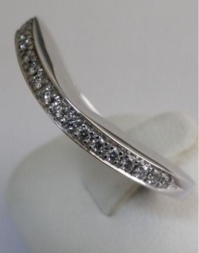 Diamond ring - 21 small brilliant cut diamonds, totalling 0.17 ct - 750 white gold