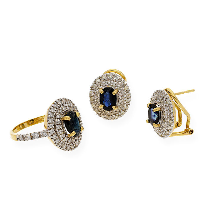 Set with cocktail ring and earrings - 18 kt yellow gold - Brilliant-cut diamonds 1.50 ct - Oval-cut sapphires 3.00 ct