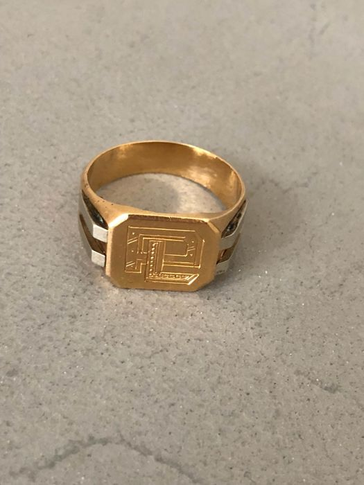 Men's signet ring in 18 kt gold. Size 59
