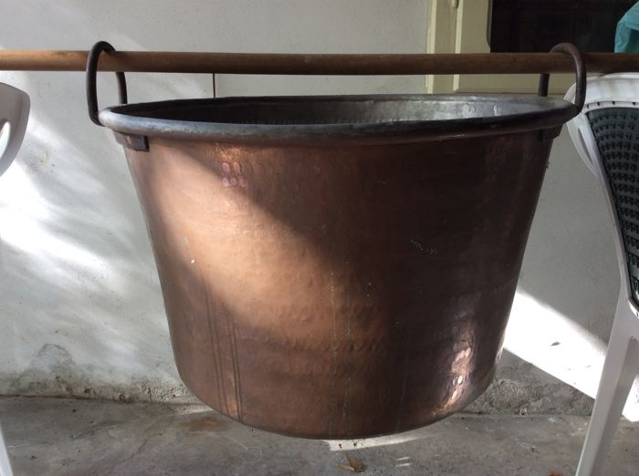 Copper cauldron of the late 19th century Italy