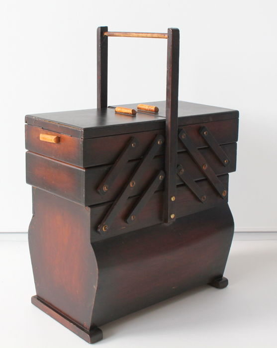 Solid large sewing box - 2nd half of the 20th century